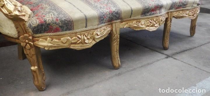 Antigüedades: CONJUNTO DE SILLONES DORADOS ESTILO LUIS XV. - Foto 3 - 123124707