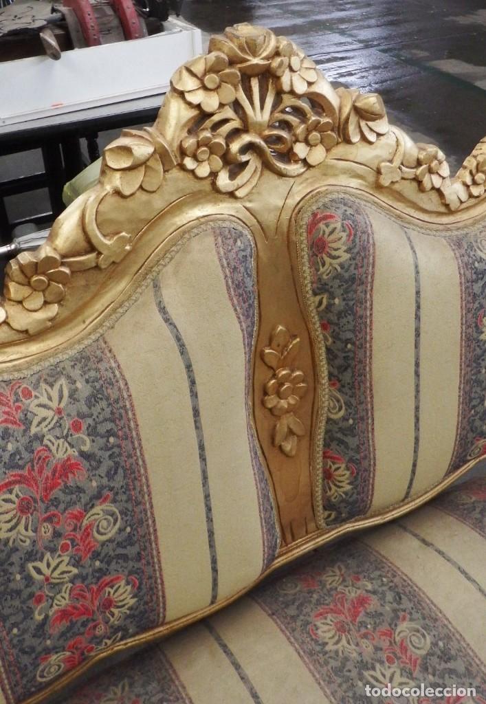 Antigüedades: CONJUNTO DE SILLONES DORADOS ESTILO LUIS XV. - Foto 7 - 123124707