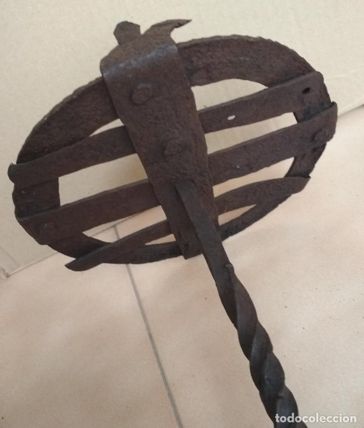 Antigüedades: ANTIGUO TEDERO HIERRO FORJA SIGLO XVII - XVIII - Foto 2 - 123326219
