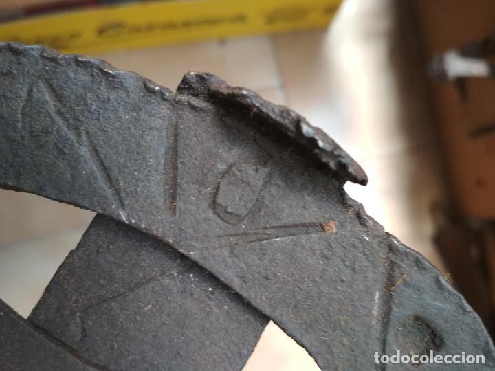 Antigüedades: ANTIGUO TEDERO HIERRO FORJA SIGLO XVII - XVIII - Foto 15 - 123326219