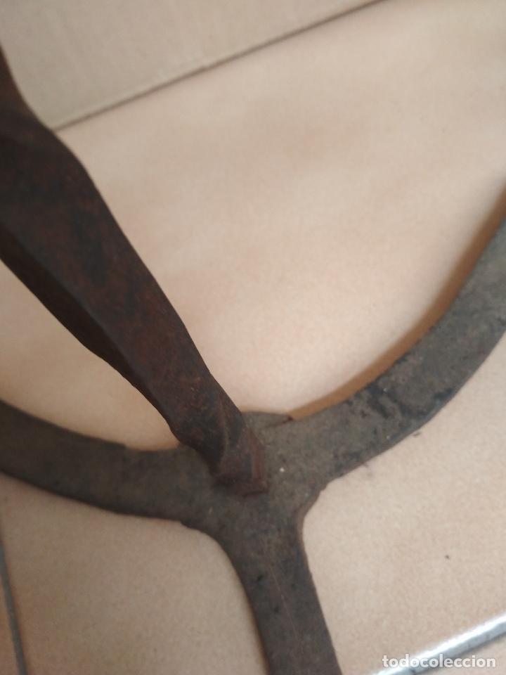 Antigüedades: ANTIGUO TEDERO HIERRO FORJA SIGLO XVII - XVIII - Foto 19 - 123326219