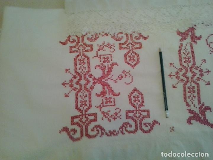 Antigüedades: Sabana hilo lino ajuar 1919.Grandes iniciales .Funda de almohada mismo ajuar Encaje bolillos - Foto 2 - 123354559