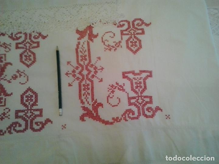 Antigüedades: Sabana hilo lino ajuar 1919.Grandes iniciales .Funda de almohada mismo ajuar Encaje bolillos - Foto 3 - 123354559
