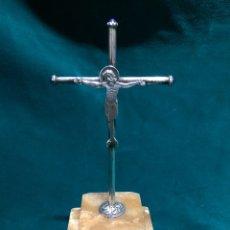 Antigüedades: CRUZ DE PLATA MACIZA CON CRISTO. Lote 123367888