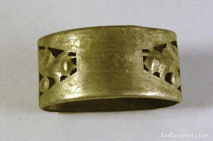 Antigüedades: lote de 4 servilleteros antiguos de plata con iniciales - Foto 4 - 123444627