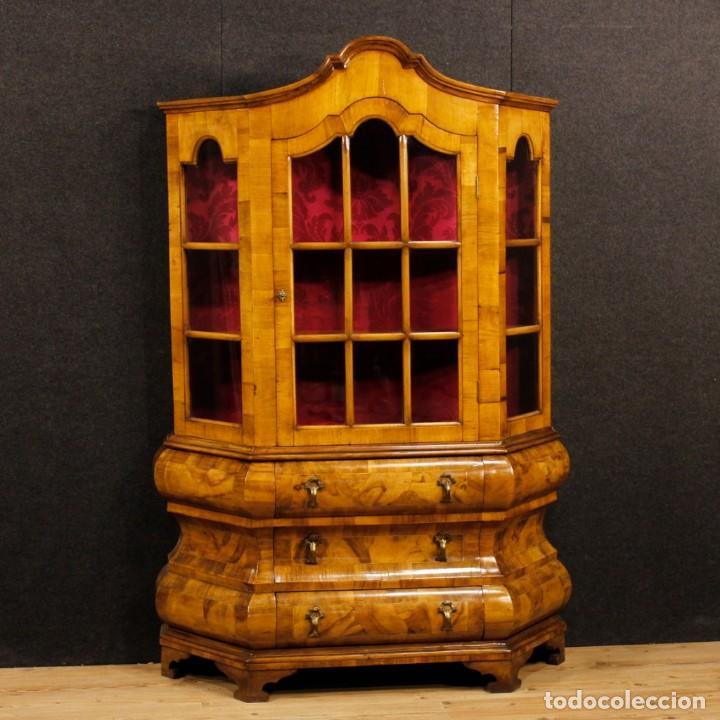 VITRINA HOLANDESA EN MADERA DE NOGAL, RAÍZ DE NOGAL Y ARCE (Antigüedades - Muebles Antiguos - Vitrinas Antiguos)