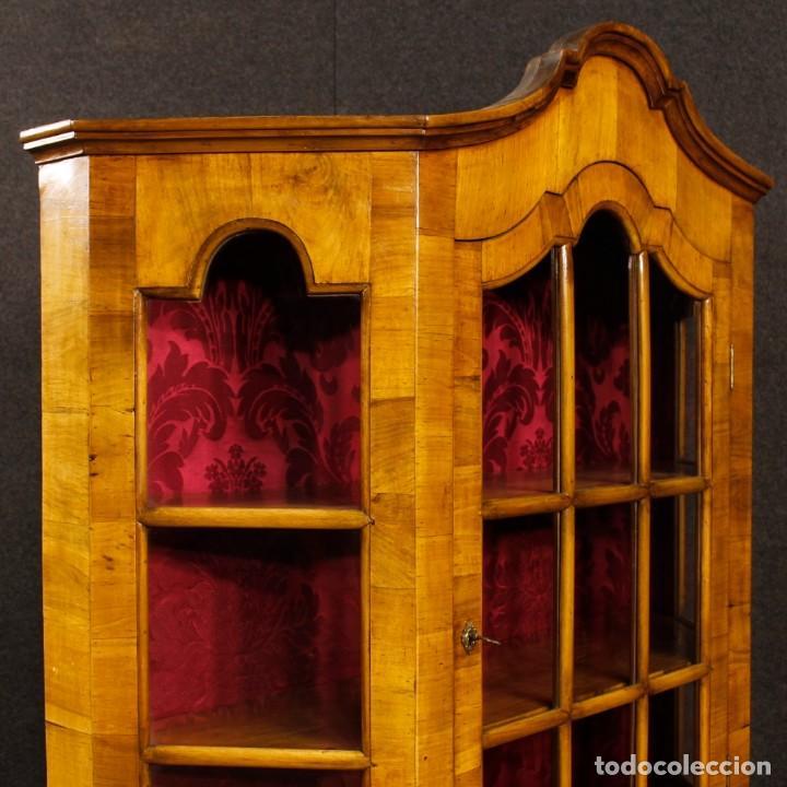 Antigüedades: Vitrina holandesa en madera de nogal, raíz de nogal y arce - Foto 8 - 123460211