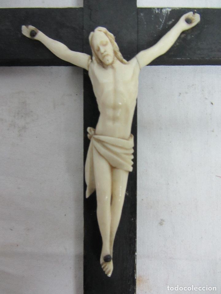 Antigüedades: Cristo en marfil fin. s.XIX - Foto 2 - 123514271