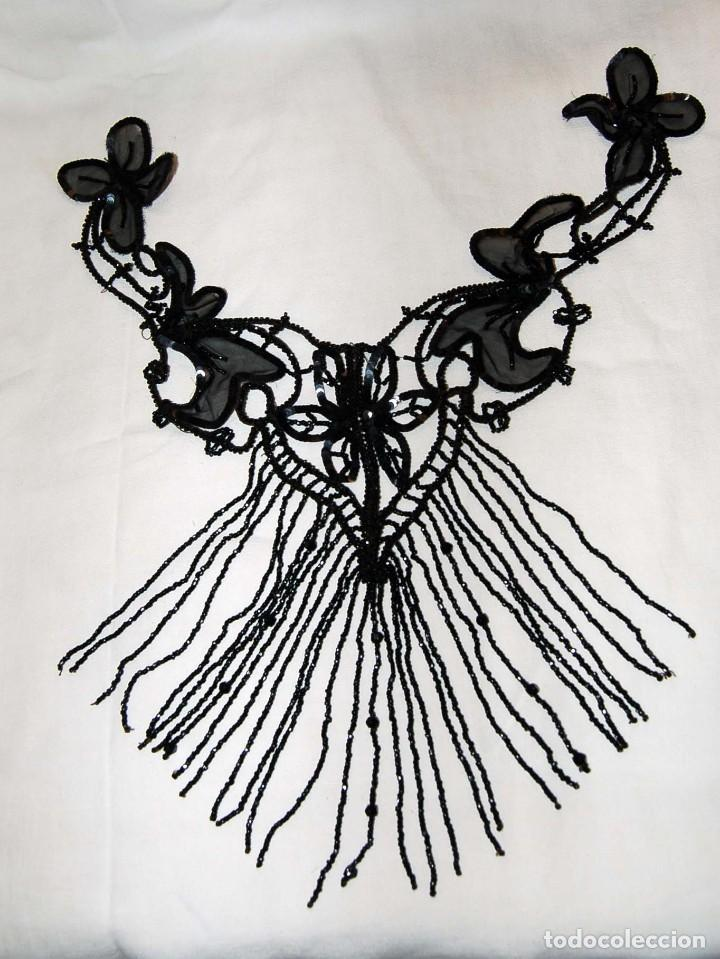 Antigüedades: Pechera o adorno, tipo collar, de azabache. - Foto 3 - 105804675