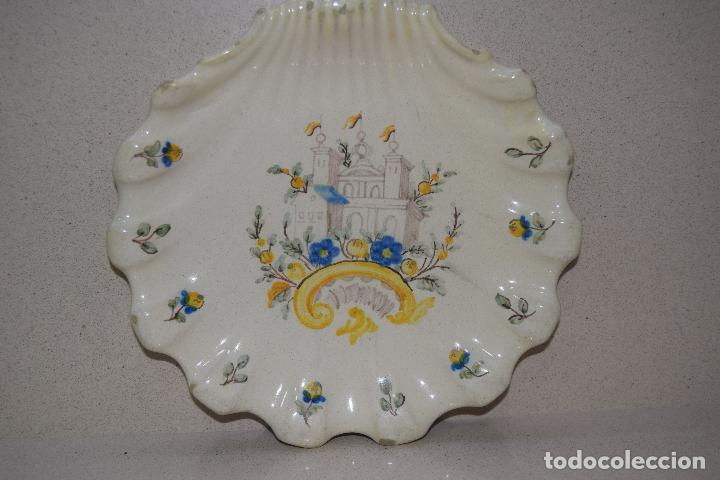 PLATO CONCHA DE ALCORA (Antigüedades - Porcelanas y Cerámicas - Alcora)