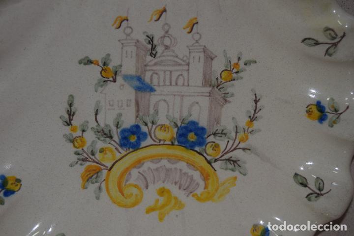 Antigüedades: plato concha de alcora - Foto 2 - 123535583