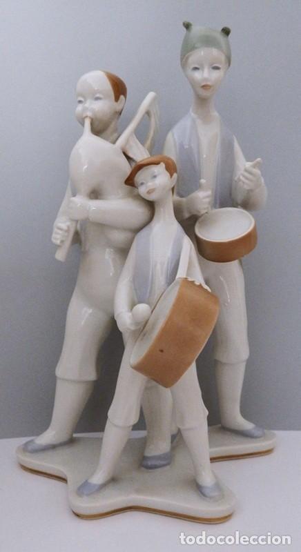 FIGURA EN PORCELANA SANTA CLARA (Antigüedades - Porcelanas y Cerámicas - Santa Clara)