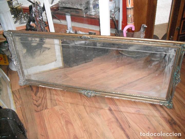 Espejo rectangular de madera dorado dibujo esca comprar for Espejo rectangular grande