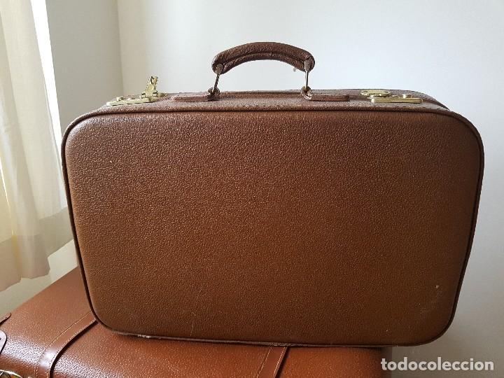 Usado, Maleta antigua de piel ideal para decoración leather suitcase vintage 52x32x14 segunda mano