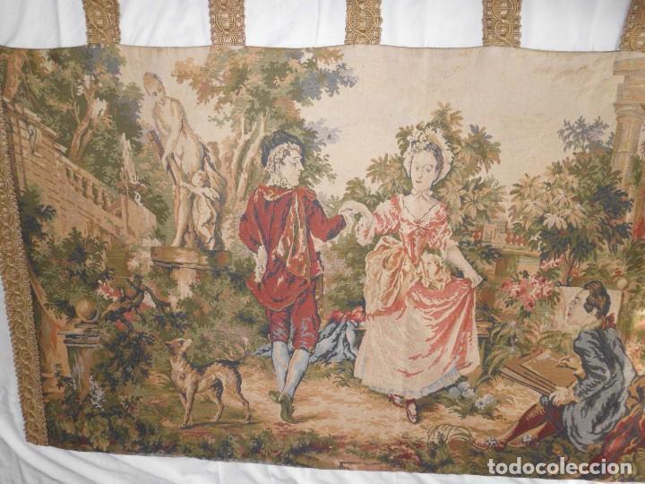 GRAN TAPIZ MOTIVO ROMANTICO (Antigüedades - Hogar y Decoración - Tapices Antiguos)