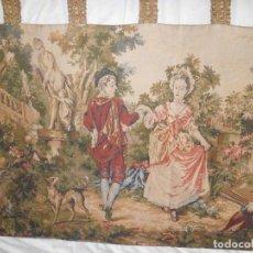 Antigüedades: GRAN TAPIZ MOTIVO ROMANTICO. Lote 123891899