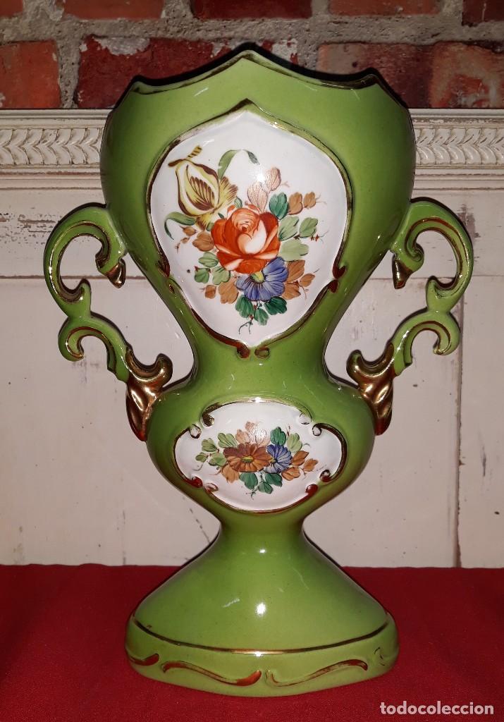 JARRON DE PORCELANA VINTAGE (Antigüedades - Hogar y Decoración - Jarrones Antiguos)