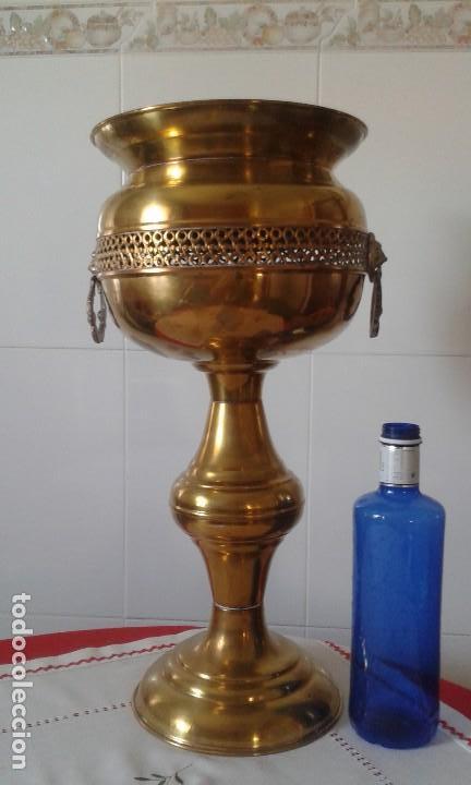 MACETERO-COPA LATÓN (Antigüedades - Hogar y Decoración - Maceteros Antiguos)