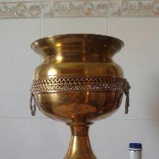 Antigüedades: MACETERO-COPA LATÓN . Lote 124153251