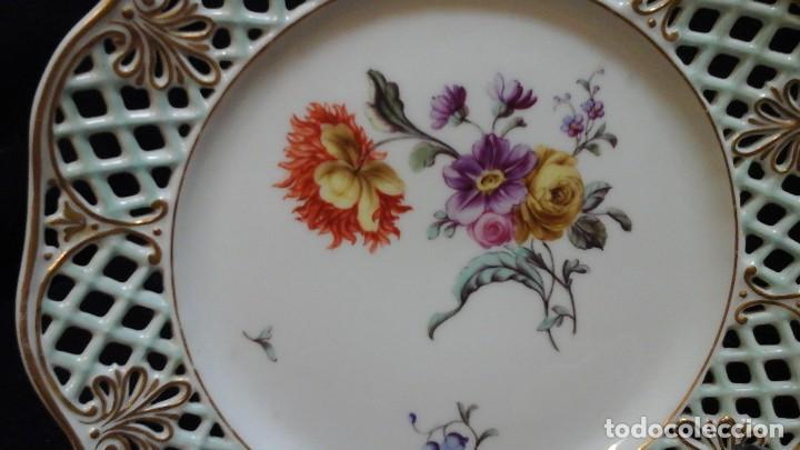 Antigüedades: Pareja de platos calados pintados a mano. Marca incisa.Postchappel M. Sirgfried 1889 - Foto 3 - 124158519