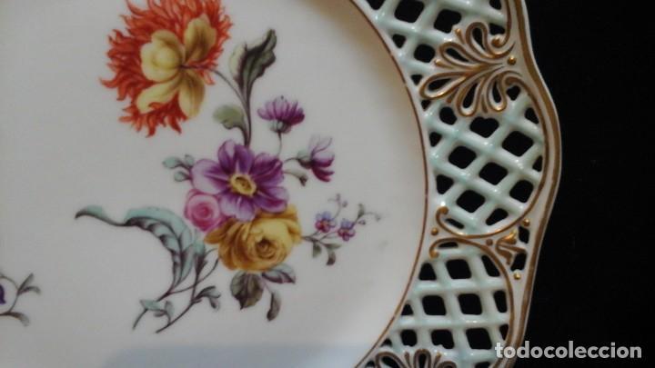 Antigüedades: Pareja de platos calados pintados a mano. Marca incisa.Postchappel M. Sirgfried 1889 - Foto 6 - 124158519