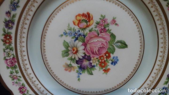 Antigüedades: Pareja de platos años 60 -70 .Decorados y retocados a mano . Marcados Royal Copenhagen - Foto 2 - 124158875