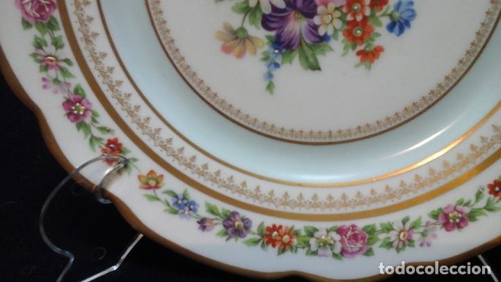 Antigüedades: Pareja de platos años 60 -70 .Decorados y retocados a mano . Marcados Royal Copenhagen - Foto 6 - 124158875