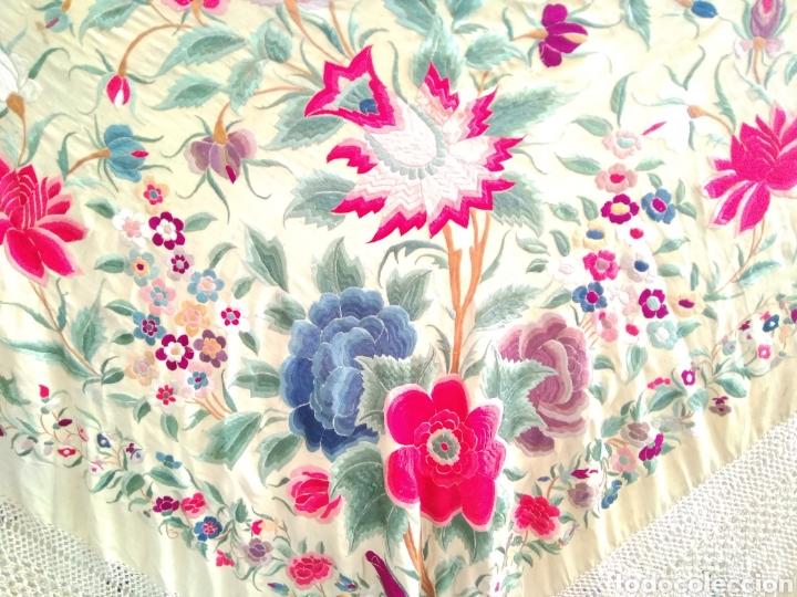 Antigüedades: Mantón de Manila siglo XIX bordado a mano - Foto 4 - 124190642