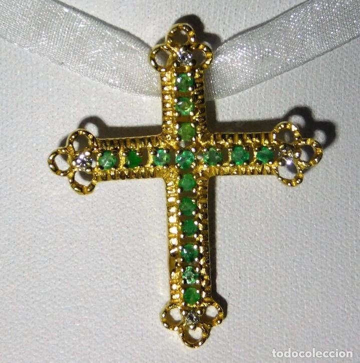 BELLISIMA CRUZ ANTIGUA ORO 18K CON 16 ESMERALDAS 0,48CT Y 4 DIAMANTES 0,12 CT (Antigüedades - Religiosas - Cruces Antiguas)
