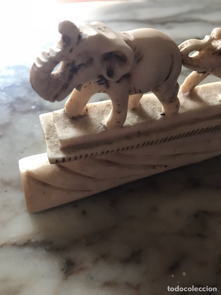 Antigüedades: Familia de elefantes tallados en ¿ resina, marfil ? Alta calidad - Foto 3 - 124276852