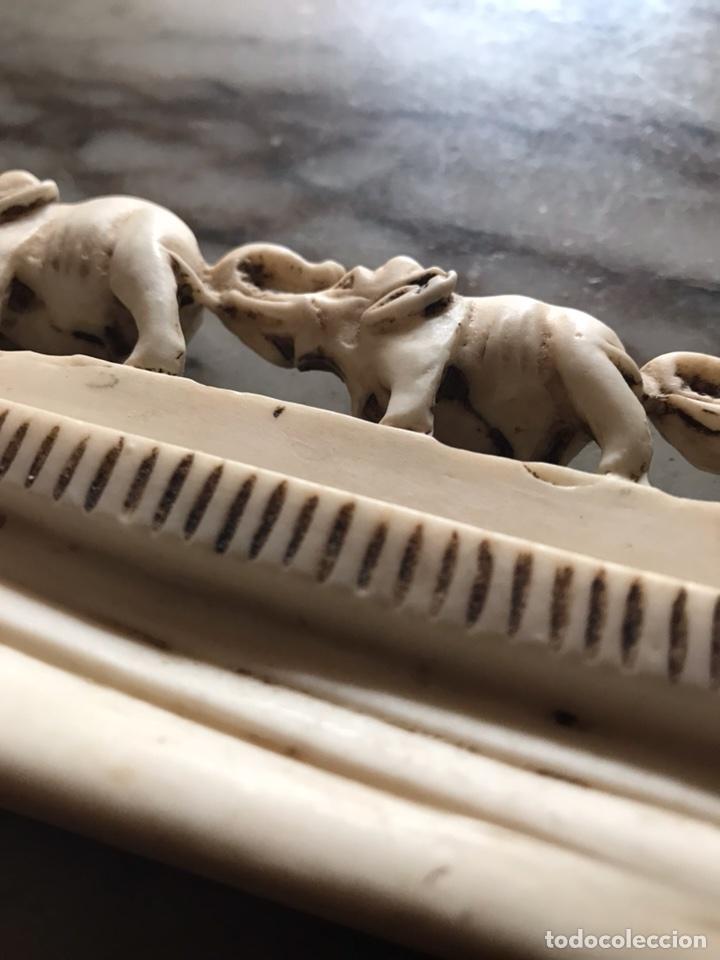 Antigüedades: Familia de elefantes tallados en ¿ resina, marfil ? Alta calidad - Foto 4 - 124276852