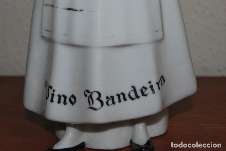 Antigüedades: BOTELLA DE VINO BANDEIRA - PORCELANA SANTA CLARA VIGO - ÁLVAREZ - Foto 4 - 124384571