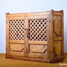 Antigüedades - Alacena muy antigua con rejilla madera de pino - Estantería, fresquera, cocina - 124407631