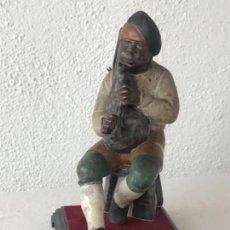 Antigüedades: FIGURA DE PORCELANA ESMALTADA DE FRANCESC ELIAS BRACONS.. Lote 124411815