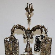 Antigüedades: IMPORTANTE LAMPARA ALFONSINA REALIZADA INTEGRAMENTE EN PLATA DE LEY. CIRCA 1880. 1725 GRAMOS. Lote 124411847
