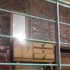 Antigüedades: MUEBLE VINTAGE 1970 BUEN ESTADO ORIGINAL TODO MADERA DISEÑO ANTIGUO. Lote 124416608