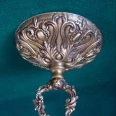 Antigüedades: GRAN FLORON DE BRONCE DORADO ANTIGUO PARA COLGAR LAMPARA. 14 CM. DIAMETRO.. Lote 124430439
