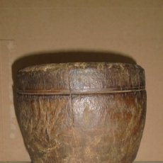 Antigüedades: (M) ANTIGUO MOLDE DE UNA PIEZA DE MADERA DE NOGAL PRAR CURAR QUESOS . S, XIX - 19X17,5 CM. . Lote 124441383
