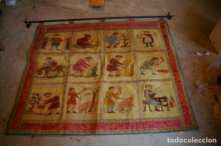 TAPIZ HECHO A MANO. 1,415 X 1.21 M (Antigüedades - Hogar y Decoración - Tapices Antiguos)