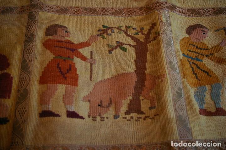 Antigüedades: tapiz hecho a mano. 1,415 x 1.21 m - Foto 5 - 124441543
