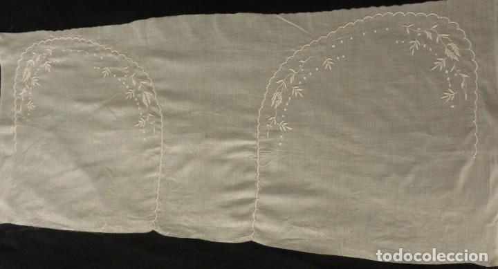 Antigüedades: ANTIGUA PIEZA DE MUSELINA DE SEDA BORDADA - IMAGEN - NOVIA - S.XIX - Foto 2 - 124443167