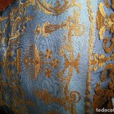 Antigüedades: ANTIGUA Y PRECIOSA COLCHA DE ENCAJE EN PUNTO DE RED -CAMA DE 1,35. Lote 124449035