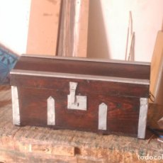 Antigüedades: BAUL CENTENARIO RESTAURADO. Lote 124483919