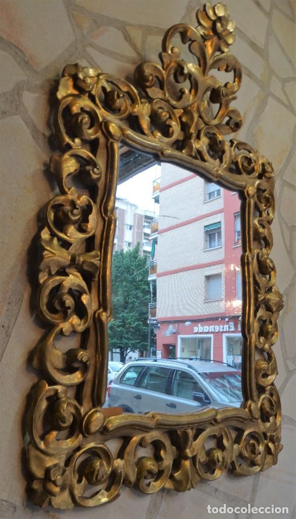 Antigüedades: ESPEJO DE MADERA CON PAN DE ORO FINALES DEL XIX, PRINCIPIOS DEL XX. - Foto 5 - 124502175
