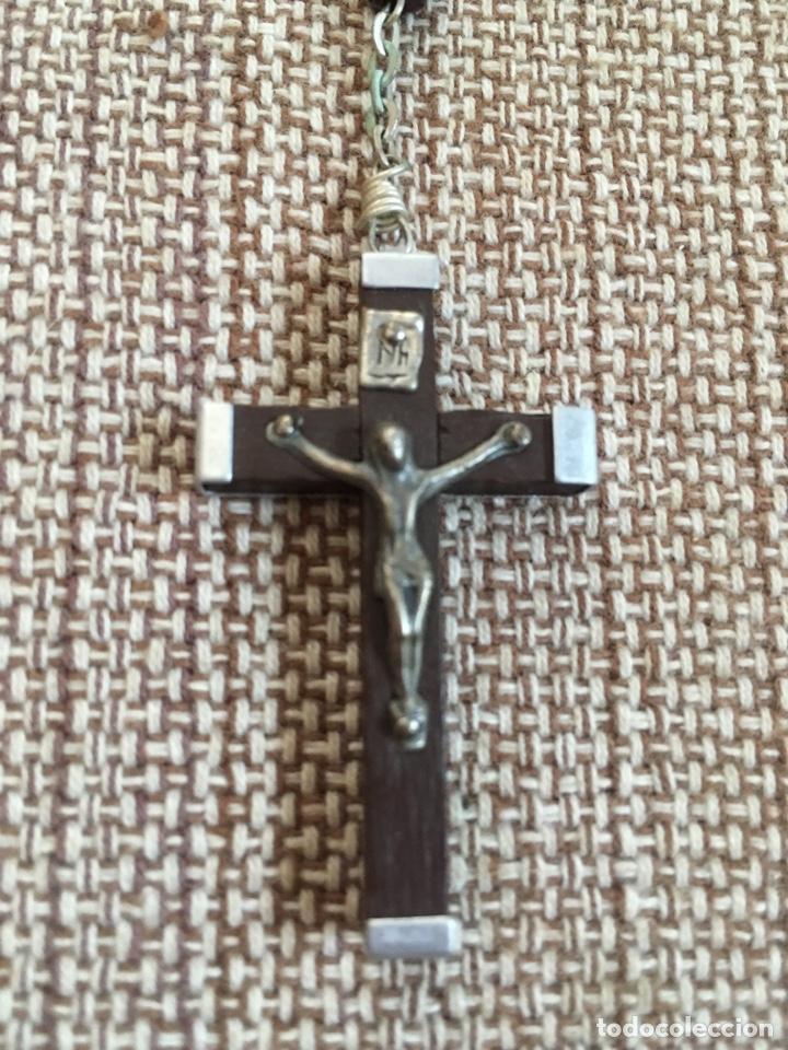 Antigüedades: Rosario con cuentas y cruz de madera - Foto 2 - 124502330