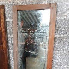 Antigüedades: ESPEJO BISELADO. PUERTA DE ARMARIO EN MADERA NOGAL SATÉN.. Lote 124515495