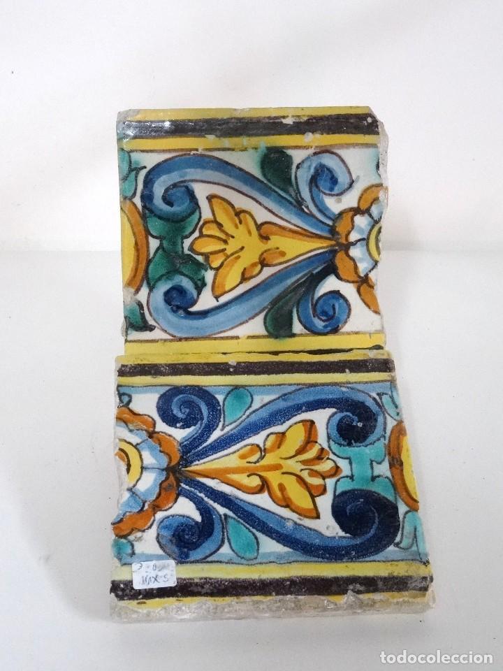 PAREJA DE AZULEJOS DE CENEFA CATALANES S.XVII (Antigüedades - Porcelanas y Cerámicas - Catalana)