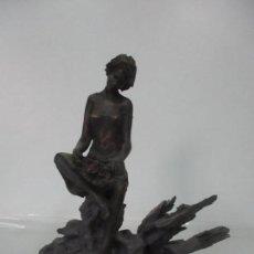 Antigüedades: ESCULTURA FEMENINA - MUJER - ESCULTOR CAMPS CAROL, TONY - ORIGINAL - 32,5 CM ALTURA. Lote 124630855