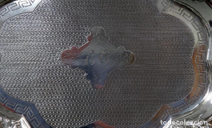 Antigüedades: Bandeja en plata punzonada Barcelona siglo XX - Foto 2 - 124646551