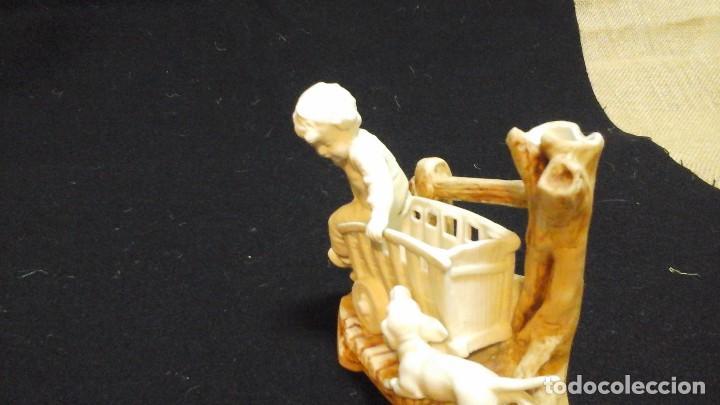 Antigüedades: Biscuit-florero de ppios siglo xx .Marcado - Foto 3 - 124684375